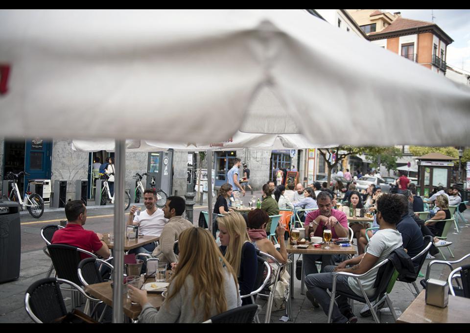 S.O.S. vecinal ante la invasión de terrazas en el centro de Madrid