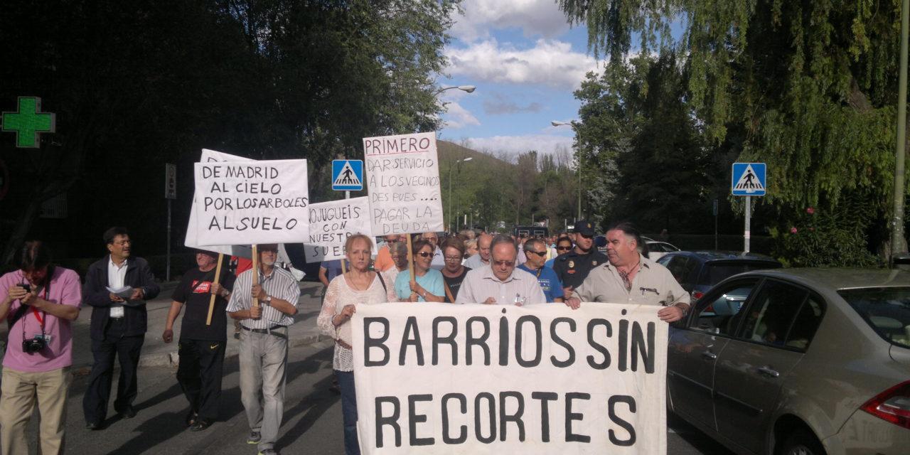Santa Eugenia, en pie de guerra para exigir al Ayuntamiento que extreme el mantenimiento del arbolado