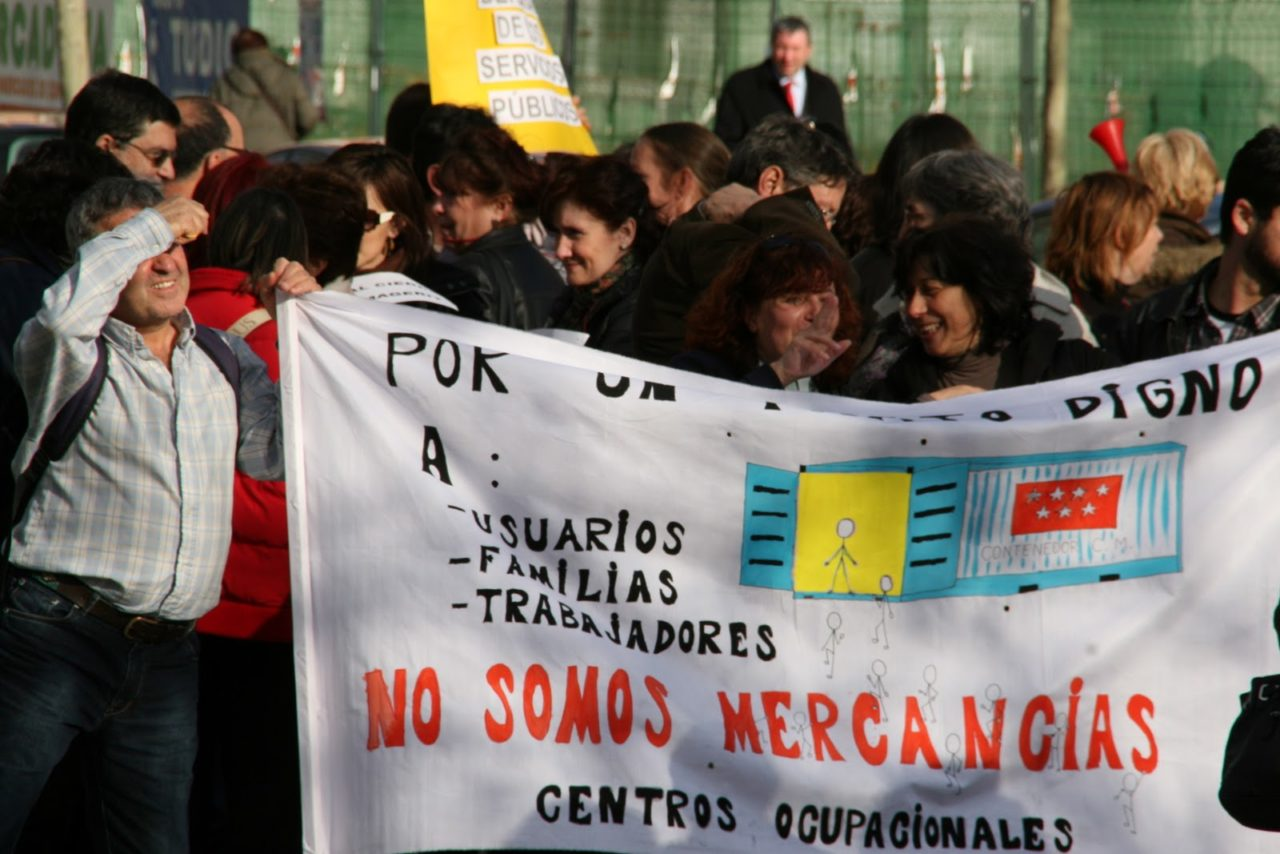 Tras 37 días de encierro… afectados por el cierre de los centros ocupacionales de discapacitados vuelven a salir a la calle