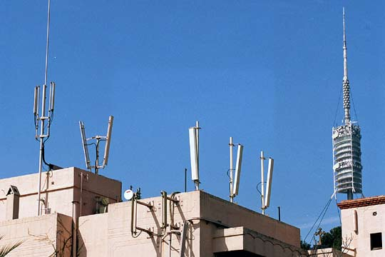 Un informe científico aporta nuevas evidencias de los peligros que comporta la contaminación electromagnética