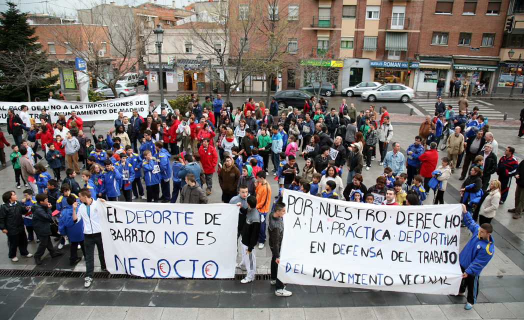 Usera vuelve a sacar tarjeta roja al Ayuntamiento de Madrid