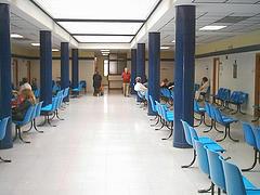 Vallecas se moviliza contra el cierre de sus laboratorios clínicos