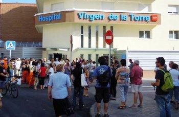 Vecinos de Villa de Vallecas reclaman el mantenimiento del servicio de radiología en el Virgen de la Torre y un acceso al Infanta Leonor