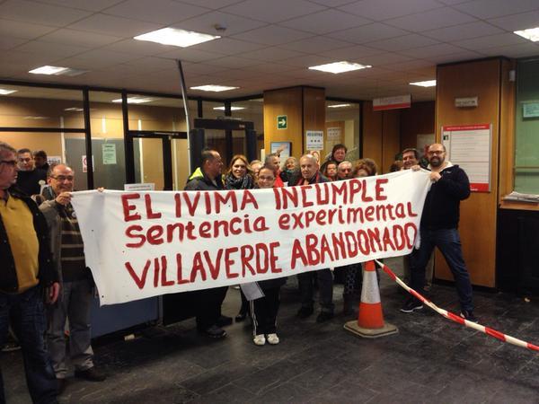 Vecinos de Villaverde exigen al IVIMA la rehabilitación de sus viviendas