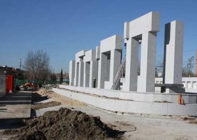 Vecinos y familiares de las víctimas del 11-M lamentan que el Ayuntamiento inaugure el monumento a los fallecidos sin contar con ellos