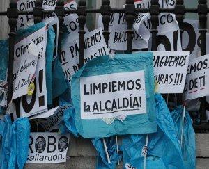 Villancicos contra la tasa de la basura en el pleno municipal del 23 de diciembre