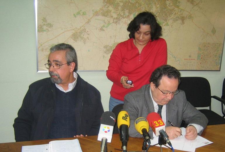 Ángel Pérez presenta a la FRAVM un documento de compromisos