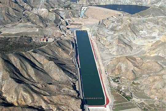 Butarque pide que se declare desierto el concurso de ideas sobre el canal de remo olímpico