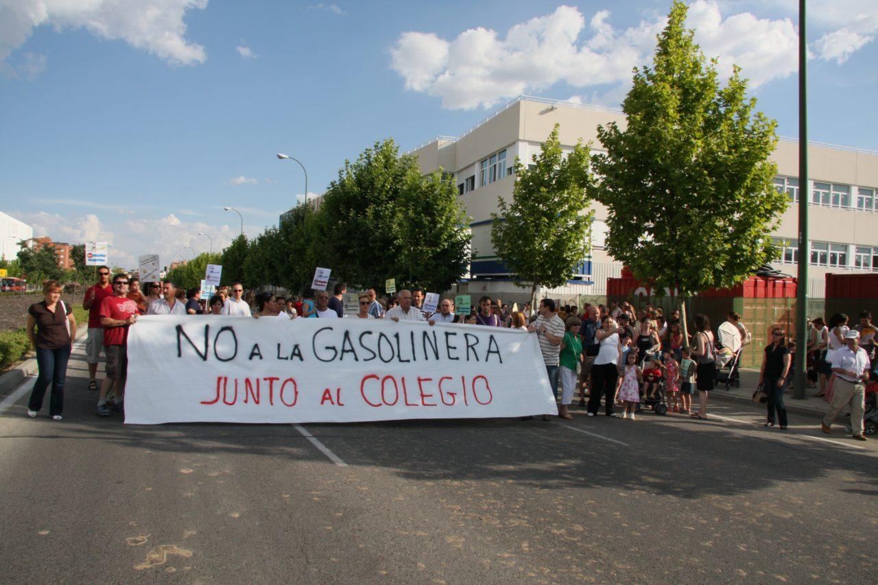 Carabanchel continuará movilizándose contra la gasolinera de la avenida de La Peseta