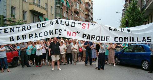 Carabanchel se moviliza contra la privatización de la sanidad pública y por la construcción de cuatro centros de salud