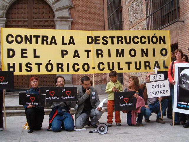 Concentración contra la destrucción del patrimonio histórico-cultural