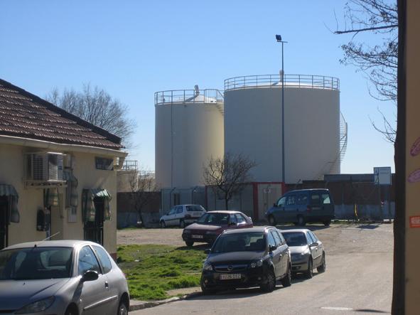 El final de los depósitos de queroseno, más cerca