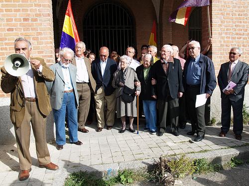 Homenaje a las víctimas de la represión franquista en la antigua cárcel de Carabanchel