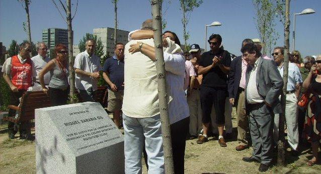 La AV La Unión de Almendrales rinde homenaje a Miguel Sarabia