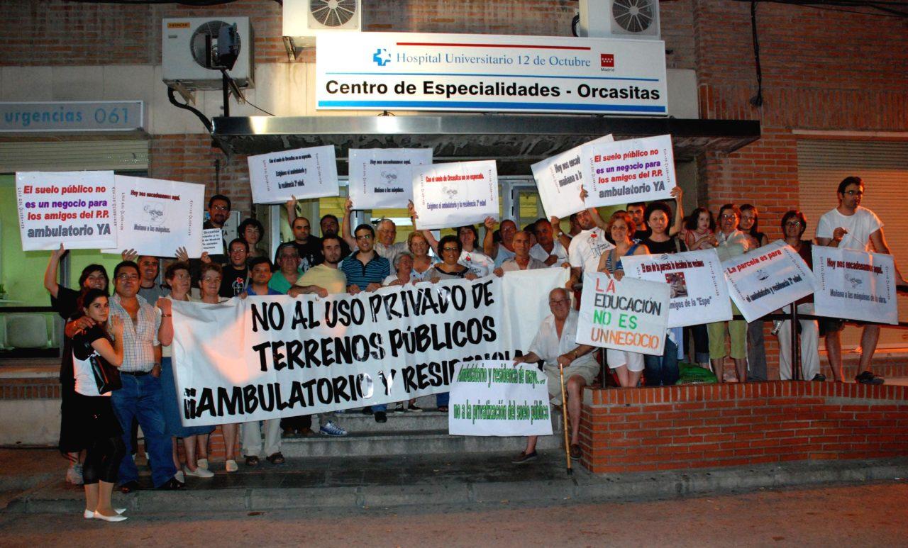 La consejería de Educación burla la protesta de los vecinos de Orcasitas