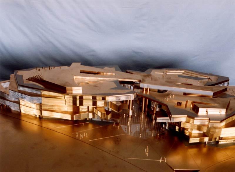 La Coordinadora Ciudadana de Hortaleza solicita la paralización de la construcción del Coliseo de las Tres Culturas
