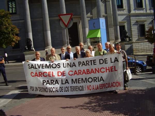 La demanda de la creación de un Centro por la Paz y la Memoria llega a Zapatero