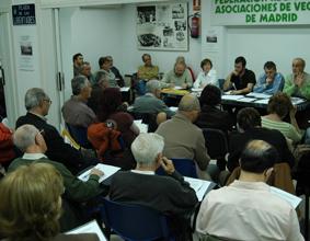 Las asociaciones vecinales preparan movilizaciones para denunciar las consecuencias de la privatización de la sanidad pública