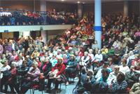 Las vecinas y vecinos de Orcasitas se concentrarán en la Asamblea de Madrid para exigir soluciones a los problemas de su barrio