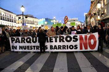 Los colectivos antiparquímetros piden una consulta popular