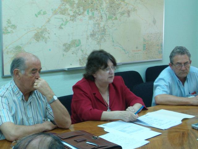 Los gobiernos central y regional reconocen la necesidad de buscar una solución a la rehabilitación de miles de viviendas
