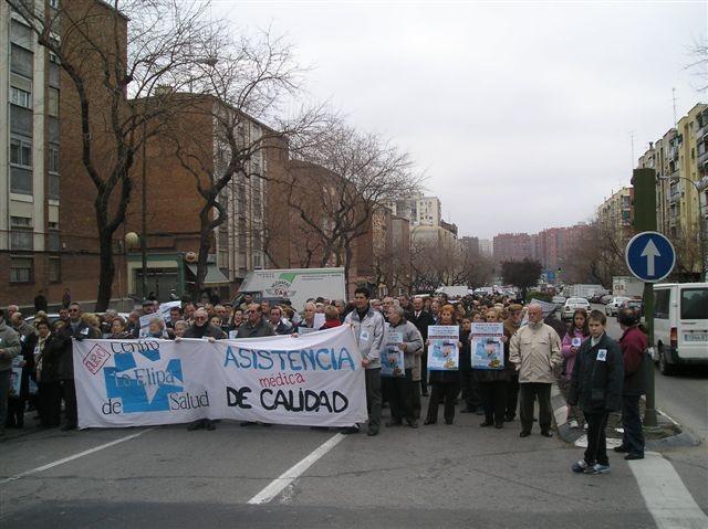 Mil voces reivindican un centro de salud para el barrio de La Elipa