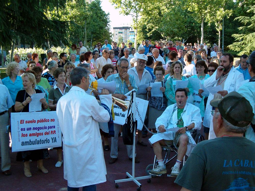 Orcasitas vuelve a la carga contra la cesión de una parcela pública