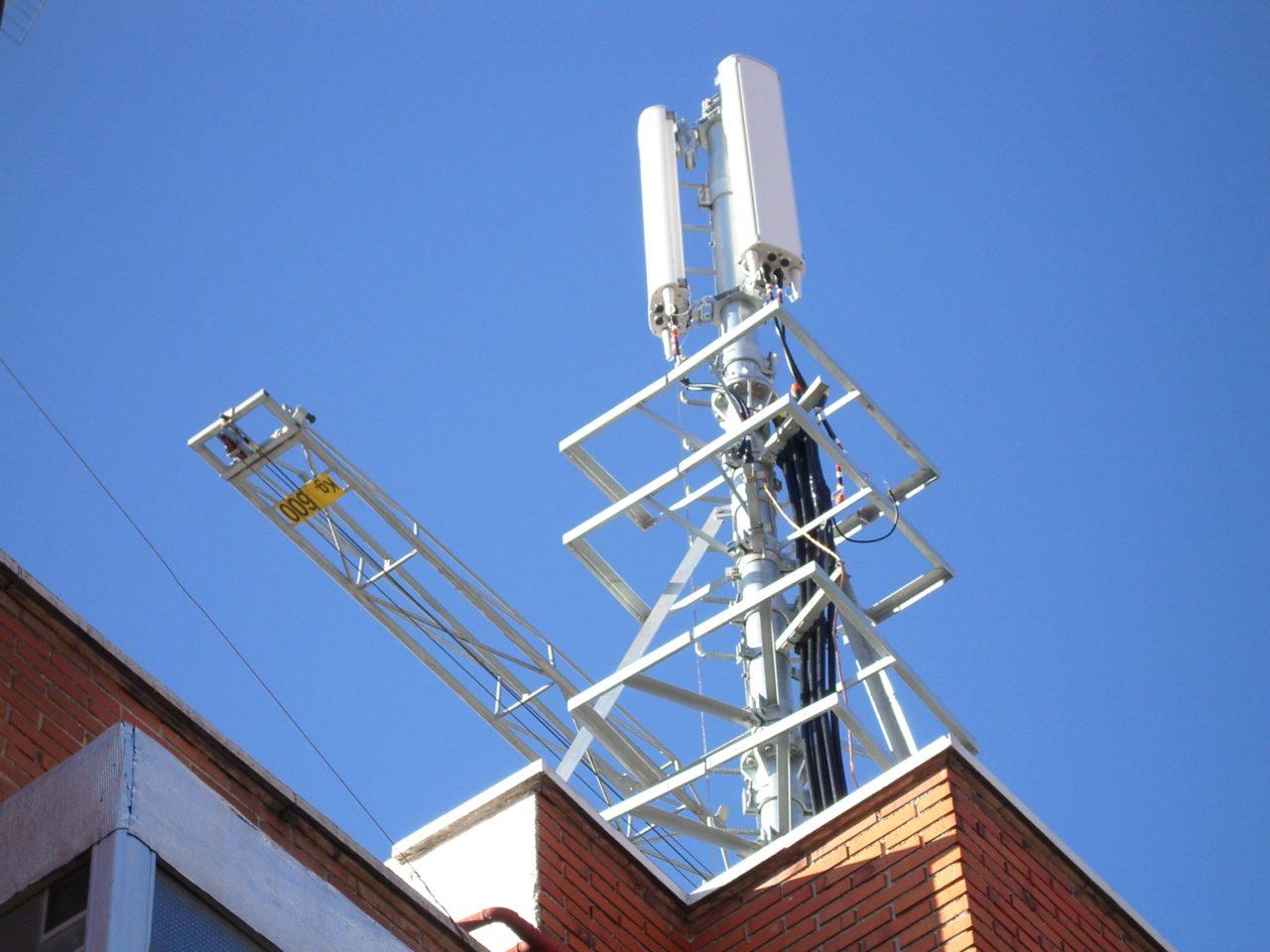 San Sebastian de los Reyes, en pie de guerra contra una antena de telefonía móvil