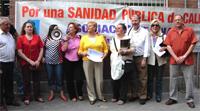 Unas 200 personas reclaman en Carabanchel la construcción de cuatro centros de salud públicos