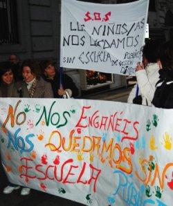 Vecinas y vecinos de Villa de Vallecas se oponen a la privatización de la nueva escuela infantil del distrito