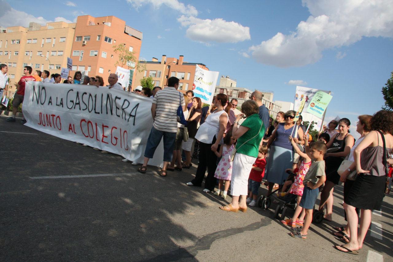 Vecinos de Carabanchel cortan la avenida de La Peseta durante dos horas