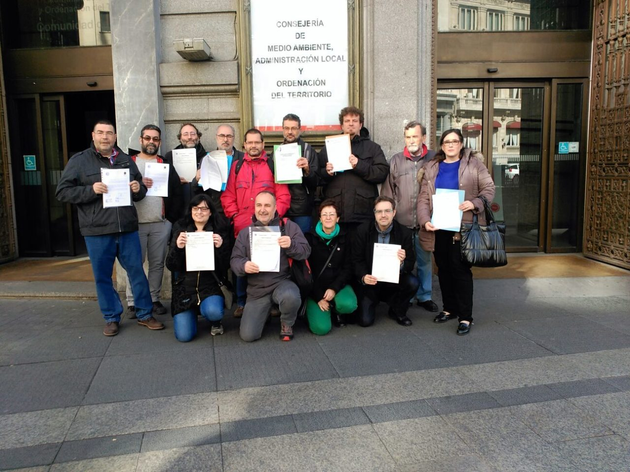 Entidades ecologistas y vecinales critican el protocolo anticontaminación de la Comunidad por su escasa utilidad
