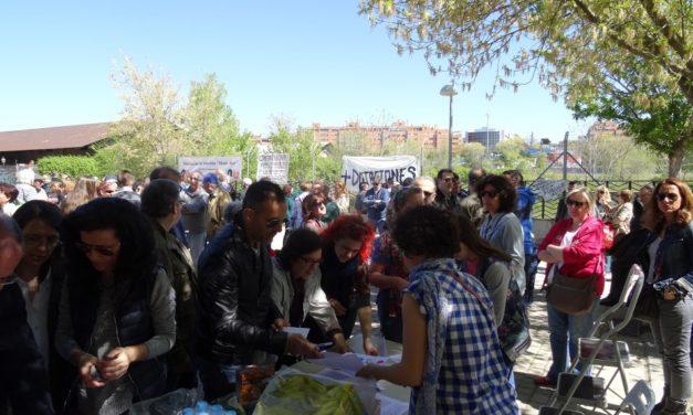 Más de 300 personas exigen el uso dotacional de los terrenos que Adif mantiene abandonados en Delicias