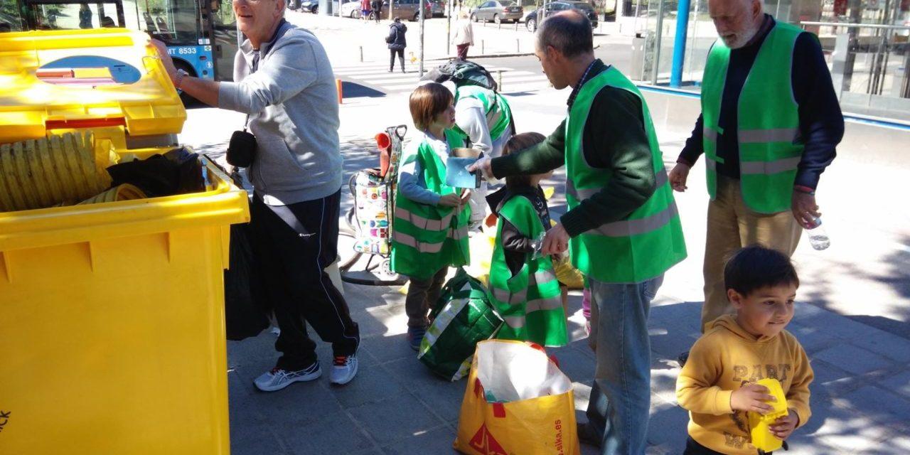 Éxito en la primera jornada de limpieza ciudadana en Alameda de Osuna (Barajas)