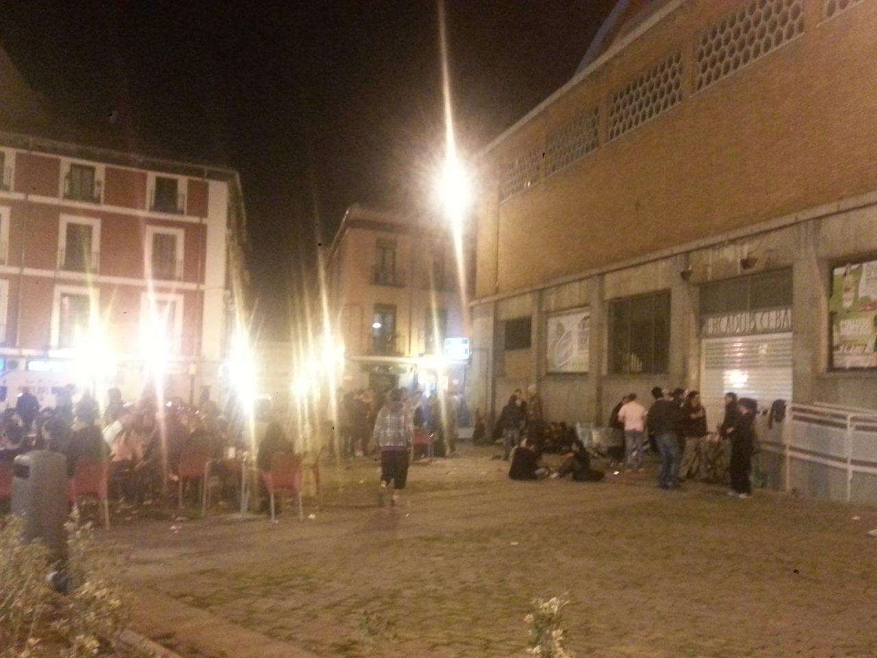 La FRAVM rechaza la ampliación del horario de los bares que defiende Cifuentes y Sabanés