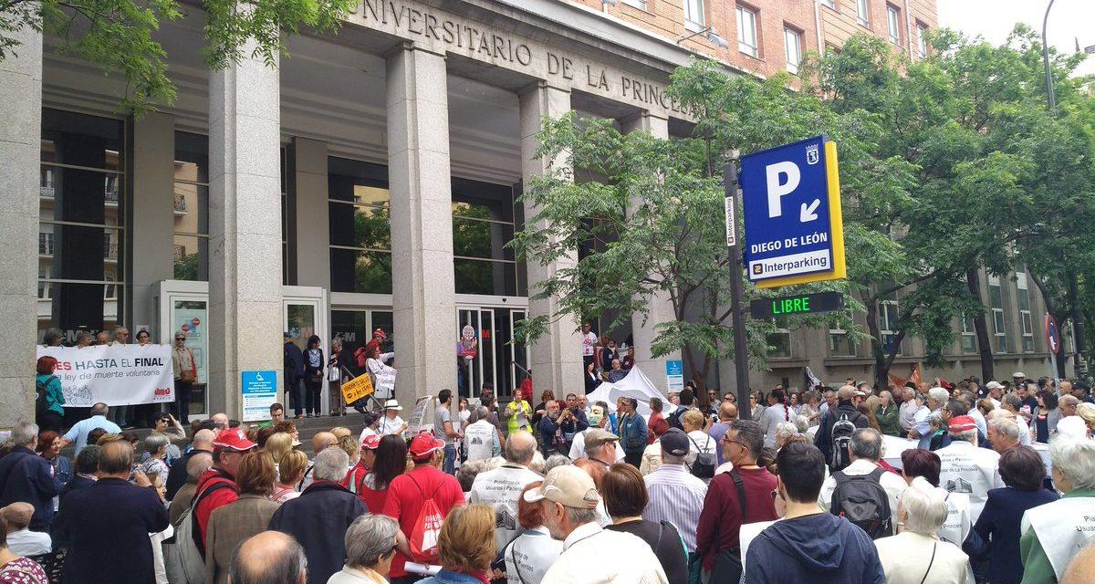 Centenares de personas regresan a La Princesa en defensa de la sanidad pública