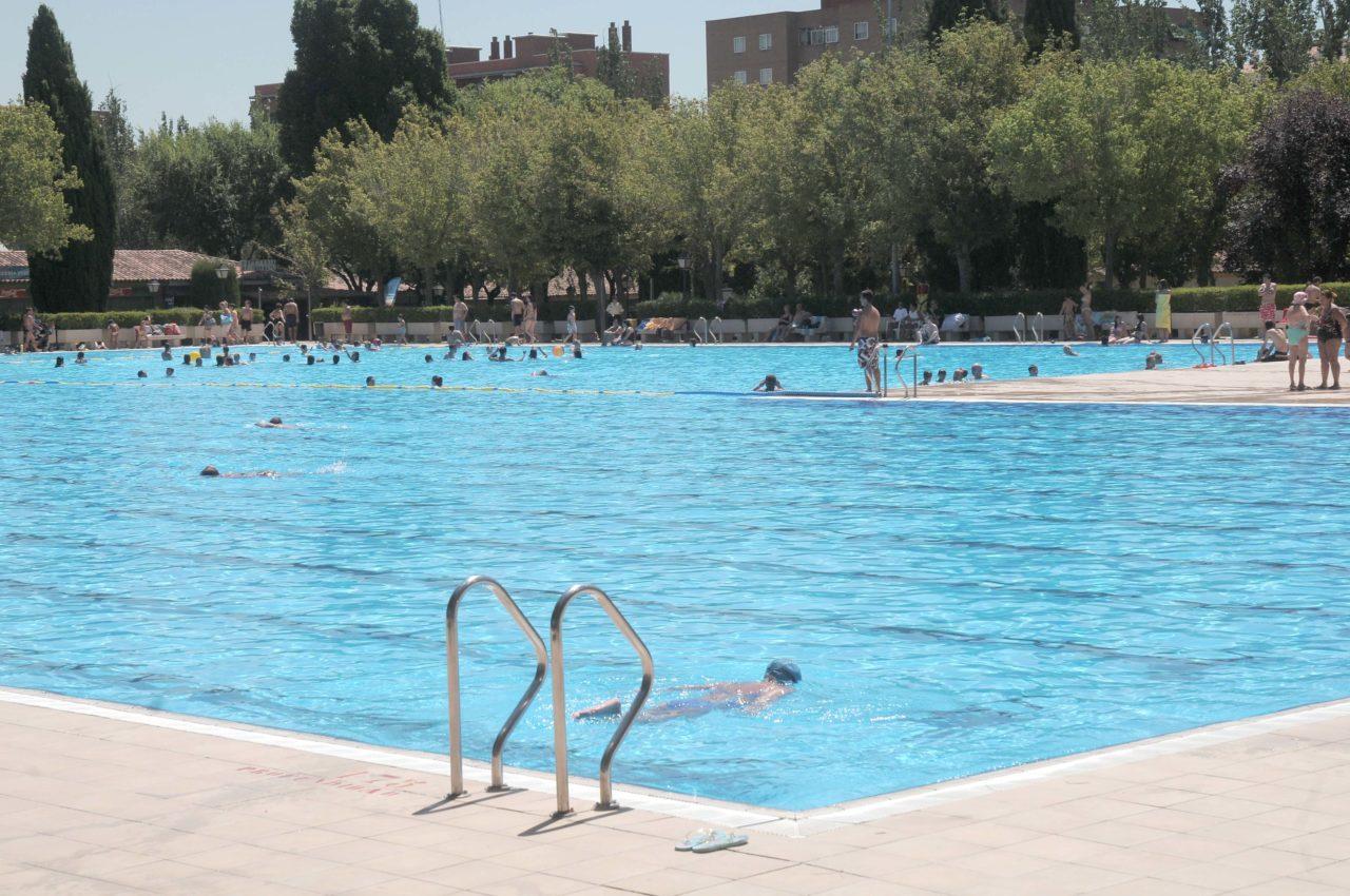 Un año más, Aluche inicia la temporada estival sin piscina pública al aire libre