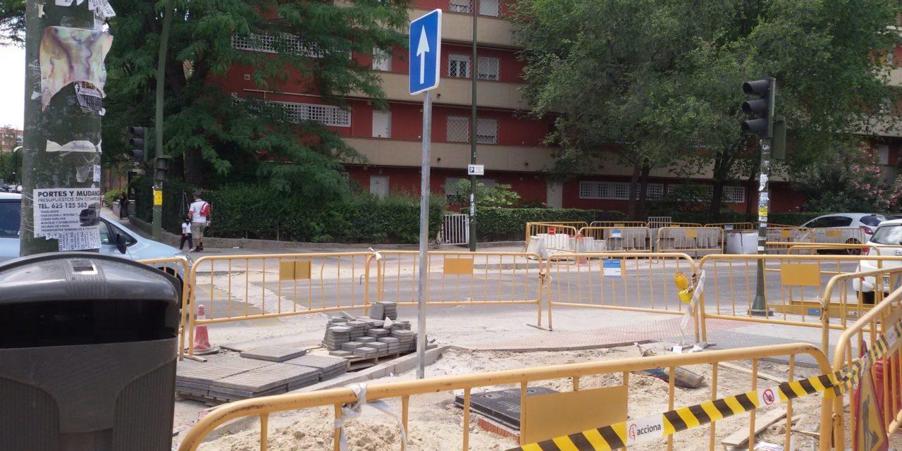 La AV Parque de Comillas, indignada por las obras del carril bici en Opañel (Carabanchel)