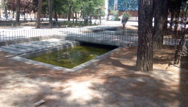 Plantación vecinal en San Cristóbal de los Ángeles para reclamar la recuperación de su plaza principal