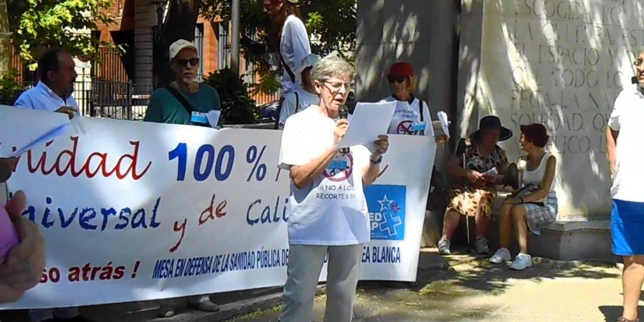 La 58ª Marea Blanca desafía la canícula y protesta de nuevo ante el Ministerio de Sanidad