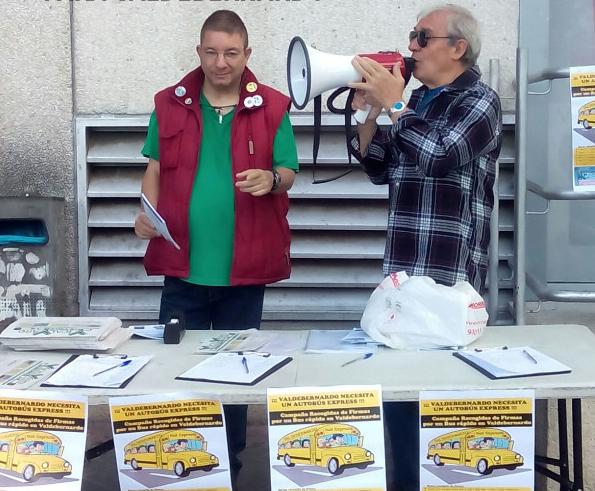 Si quieres recoger firmas en Vicálvaro, olvídate del megáfono