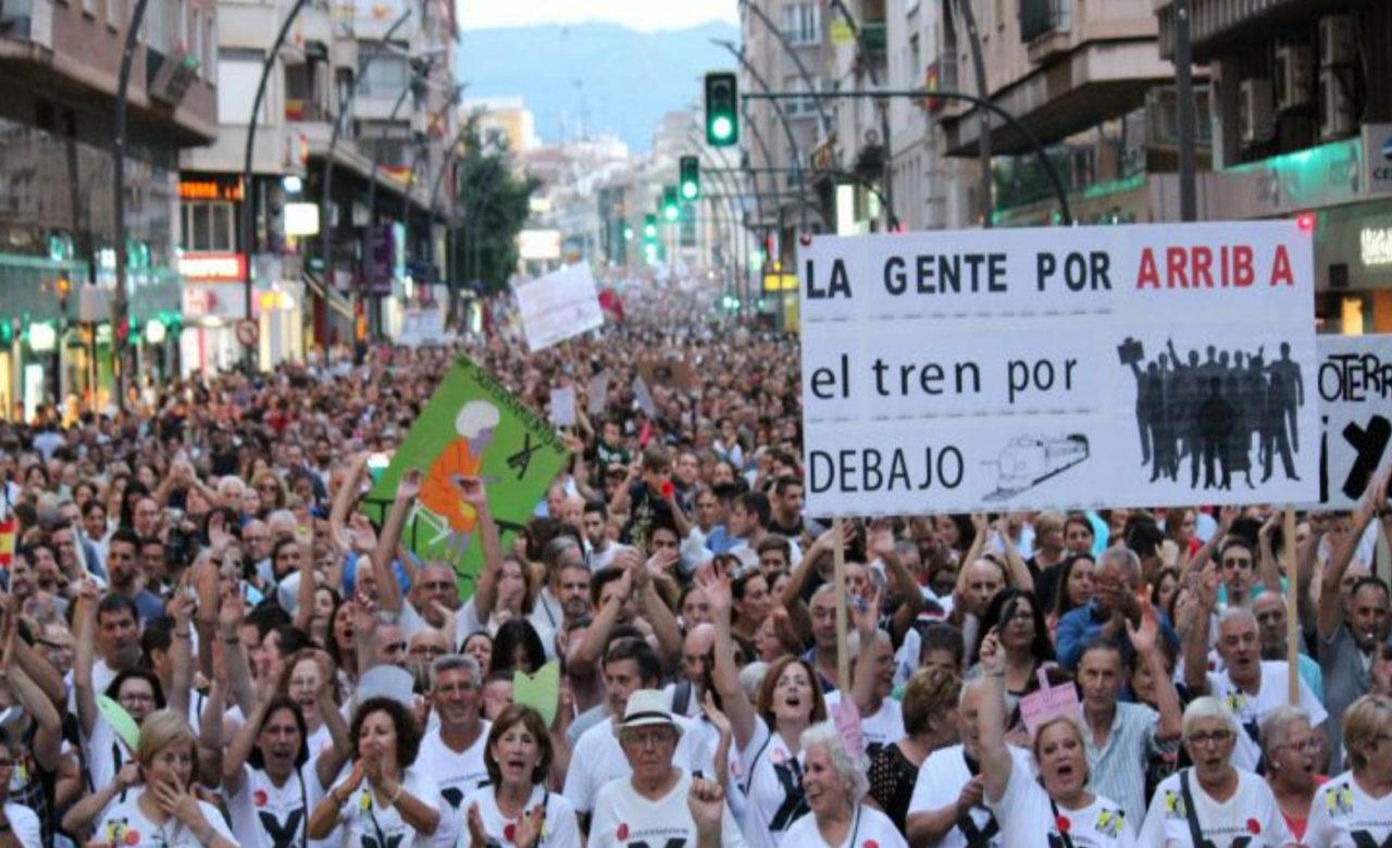 Madrid se mueve en apoyo de la Plataforma pro-soterramiento de las vías del tren en Murcia