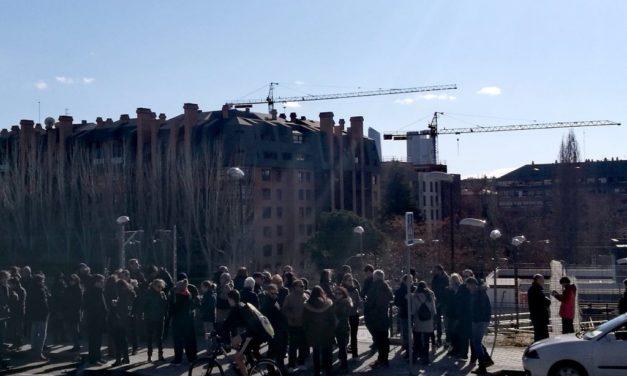 200 vecinos de Montecarmelo reclaman la apertura de la estación de tren Mirasierra-Paco de Lucía