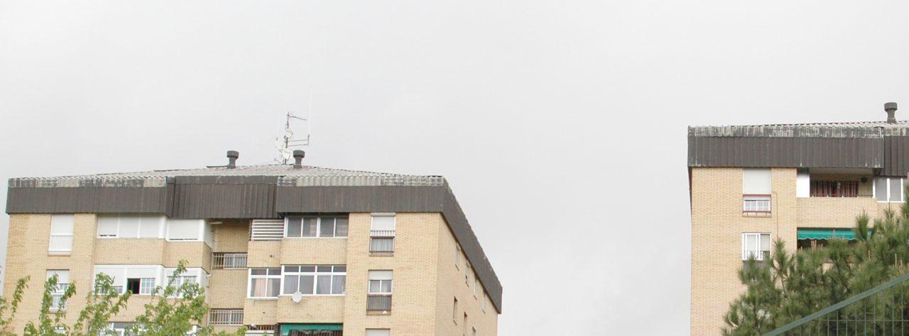 """""""Ya es hora de que el amianto desaparezca de nuestros tejados"""": asamblea vecinal en Orcasitas"""