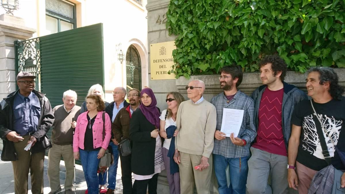 Llega al Defensor del Pueblo la denuncia contra la Comunidad de Madrid por las suspensiones irregulares de la RMI