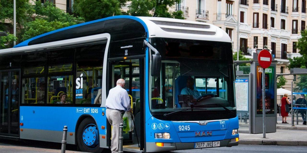Una línea de autobús que sirva para conectar los centros de mayores y de salud de Usera