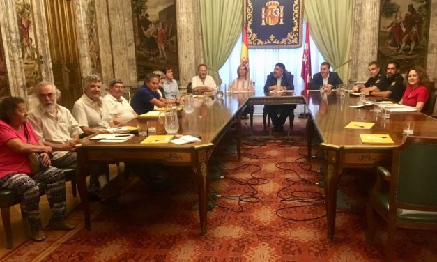 Las asociaciones vecinales de Vallecas y la FRAVM se reúnen con el delegado del Gobierno