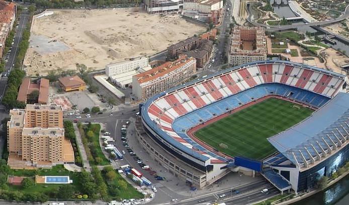 AMPAs y AAVV reclaman al Ayuntamiento que cumpla su compromiso y ejecute la demolición del Calderón en periodo no lectivo