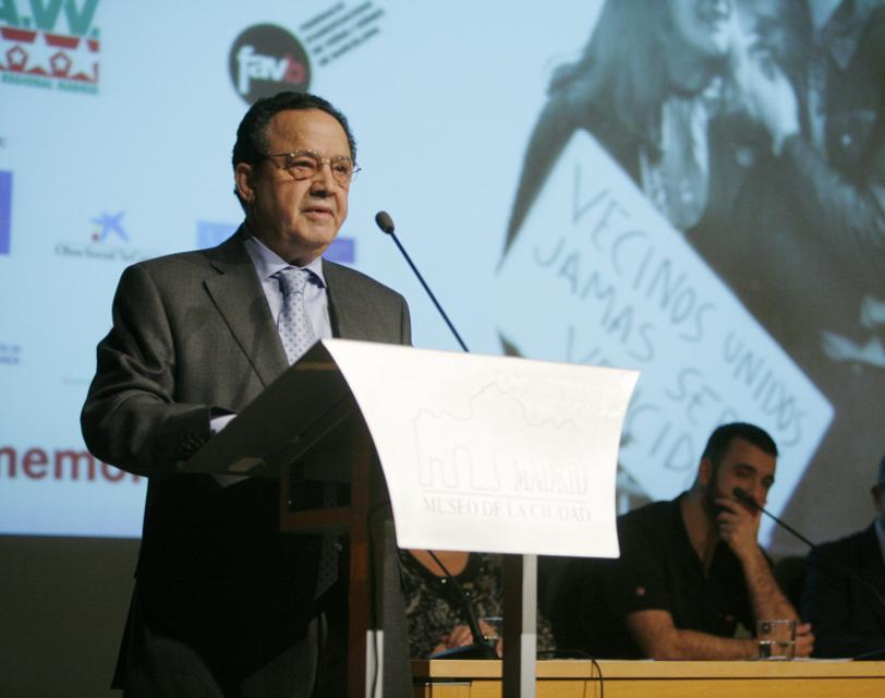 La FRAVM celebra el 50 aniversario del movimiento vecinal con un homenaje a Paco Caño