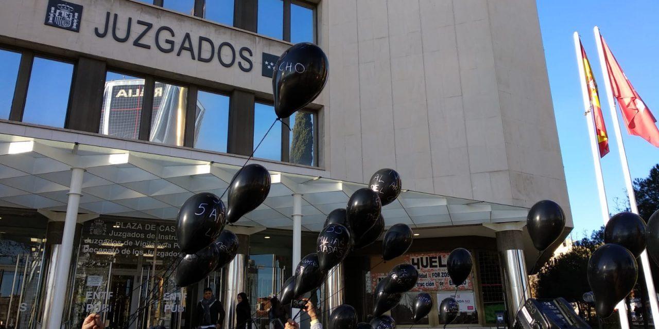 Globos negros para evitar el archivo de la causa penal por la venta de viviendas del IVIMA